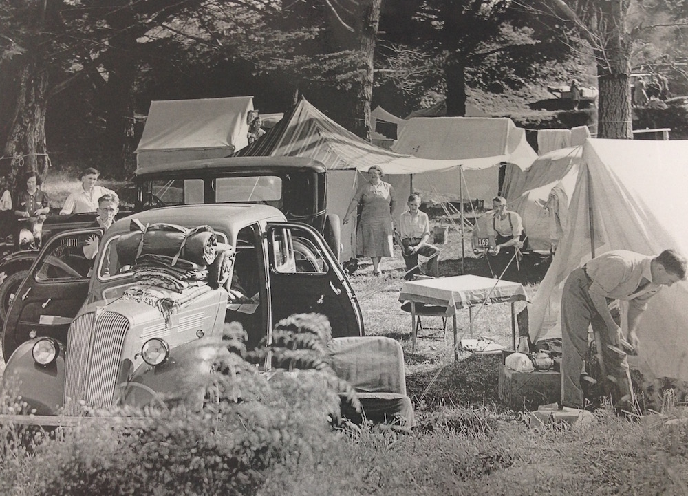 Tahuna Motor Camp at Christmas 1943-