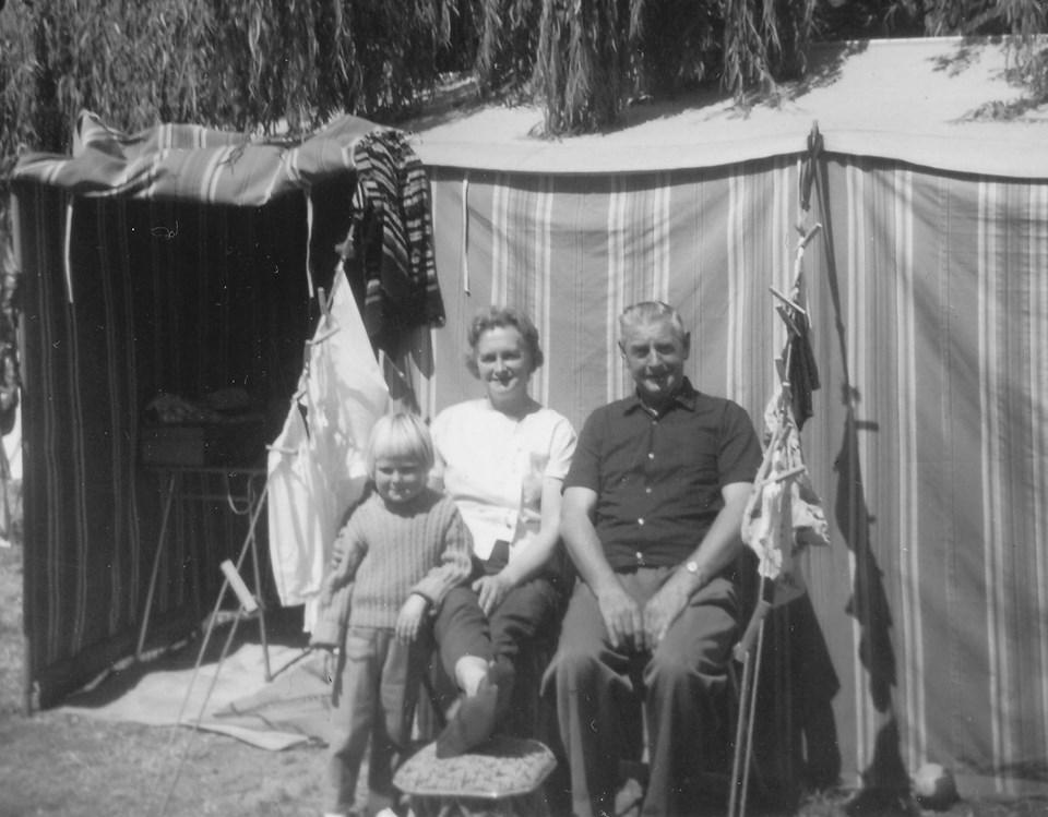 Camping at Tahuna Beach in January 1964